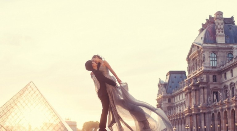 couple_in_love_in_paris-1280x800-1180x650