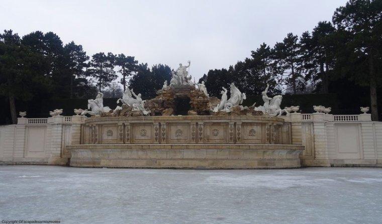 Schönbrunn et ses bassins glacés